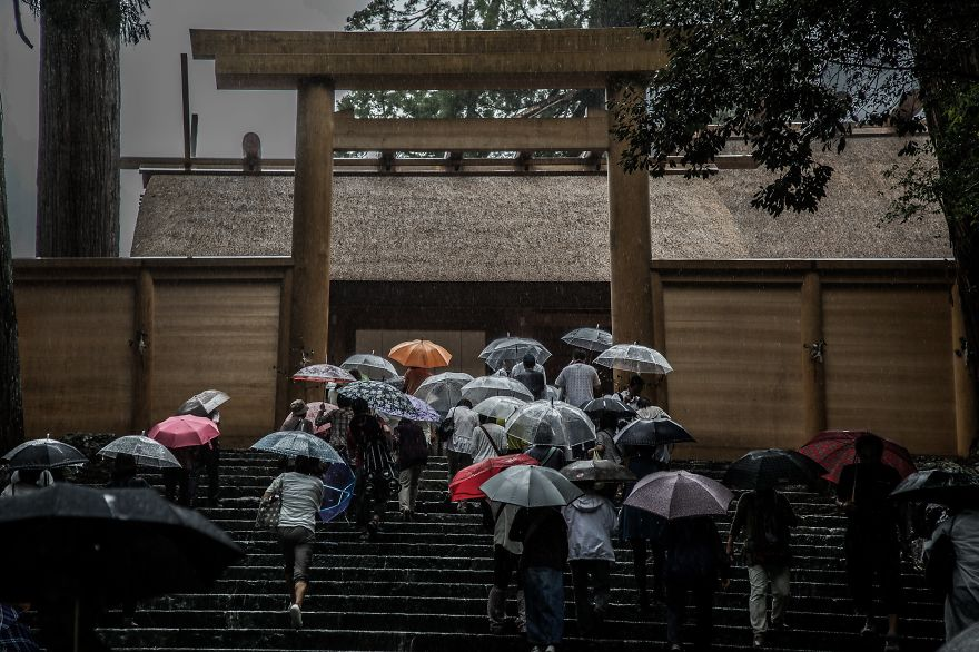 Emotional-some-views-of-Japans-rainy-season-576d1b5101e14__880