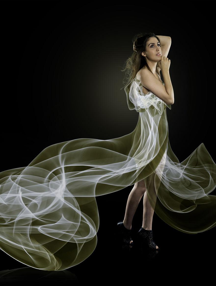 I-made-dresses-using-light-5765e16ce18cd__880
