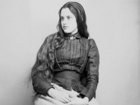 vintage-native-american-girls-portrait-photography-14-575a716bc859c__700