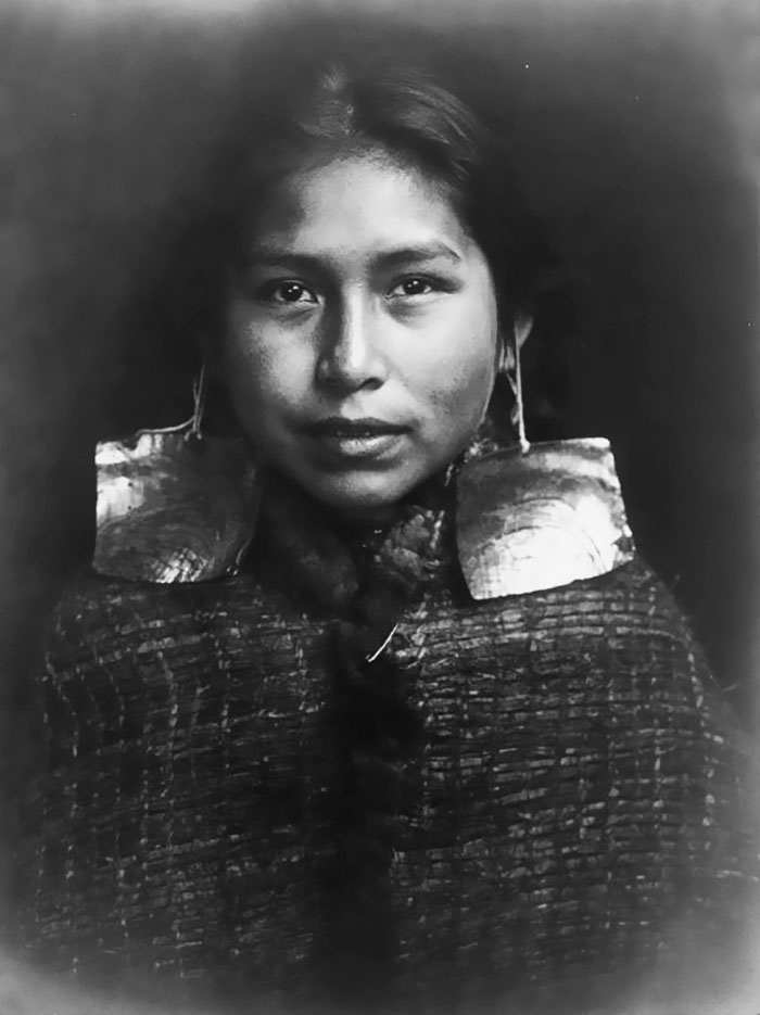 vintage-native-american-girls-portrait-photography-5-575a647dc2266__700