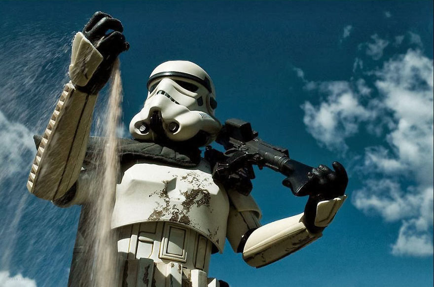 Amazing-forced-perpective-Star-Wars-toy-photographs-570e0f076ef0d__880